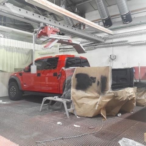 Peinture U-POL Raptor sur la benne d'un véhicule made in USA par votre Carrosserie AUTOLUB